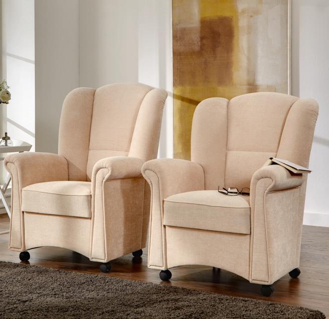 Sessel normal und extrahoch in 98cm Rückenlehnenhöhe oder 106 cm Rückenlehnenhöhe erhältlich